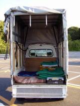 赤帽車標準荷台でもこれだけ積めますが 当社 赤帽大阪の引越し専用車なら上記の1.5倍ほど多くの荷物が積み込めます。